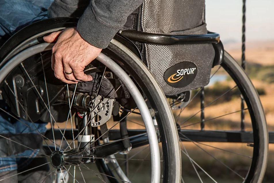 Hublift für Rollstühle